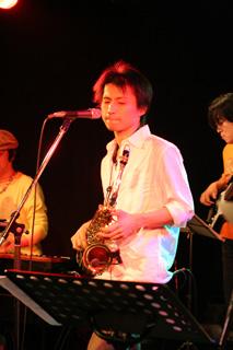 2008.11.24伊勢賢治Live@新中野弁天-川嶋フトシ(Key),伊勢賢治(Vo),松本央(Bs)