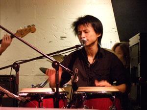 伊勢賢治Voca.&Percussion