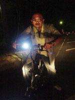 自転車に乗ったSmokeyさん