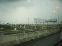 タイのスワンナプーム空港からタクシーに揺られて1