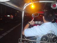 タイのトゥク・トゥク運転手の兄ちゃん