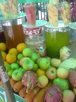 タイのチャットチャックのジュース屋