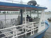 ワット・アルンへの船