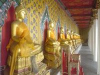 ワット・アルンの仏像群