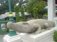ワット・アルン最後の石像